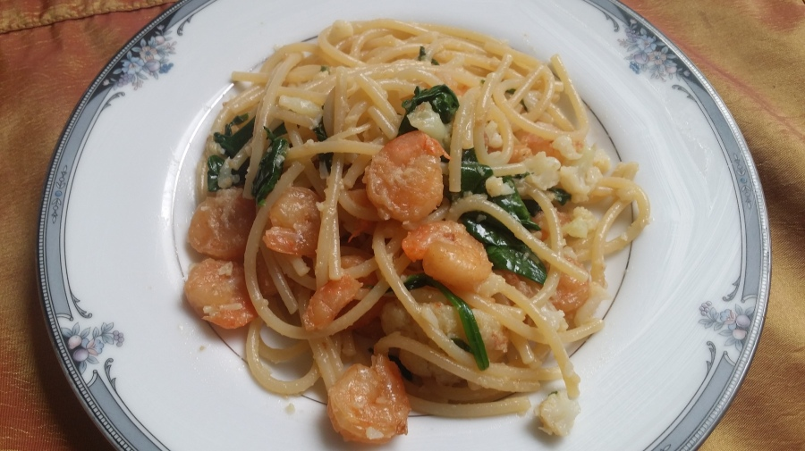 Garlic Shrimp Pasta with Cauliflower and Spinach